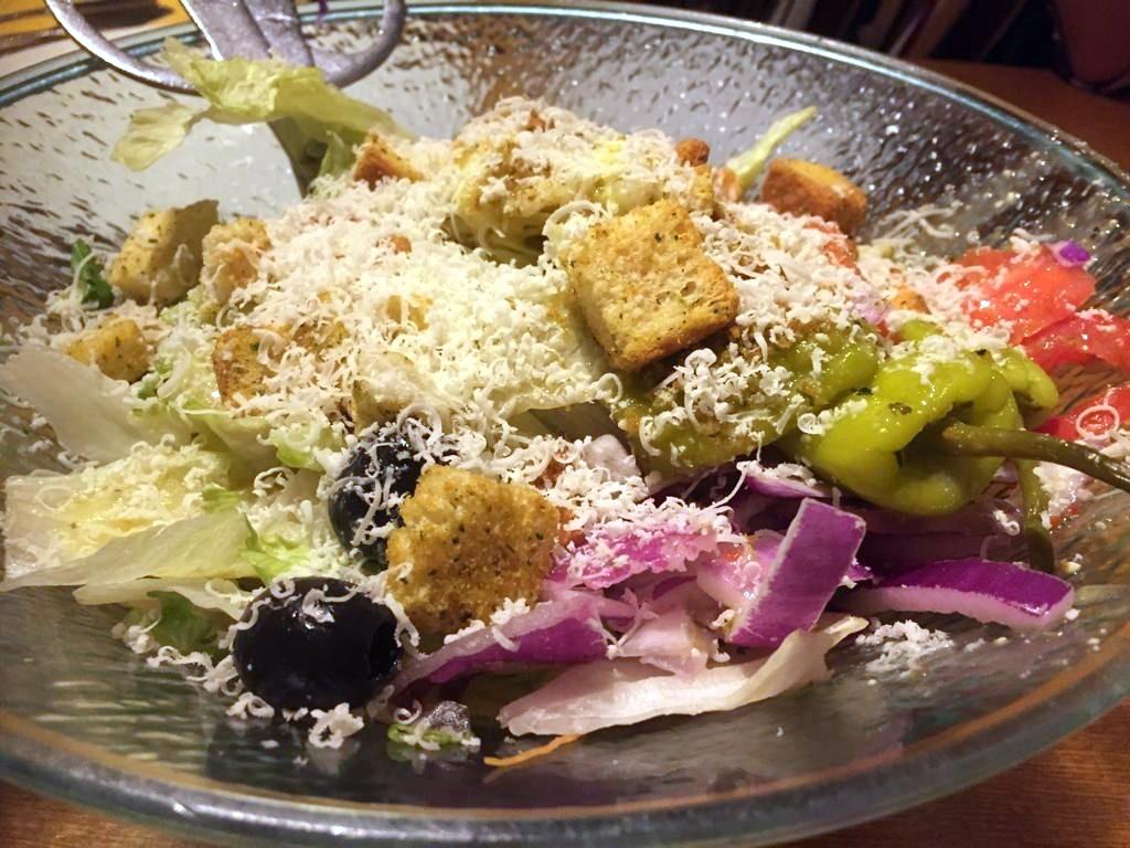 Olive Garden – unlimited breadsticks and salad